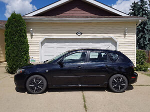 2006 Mazda 3 Hatchback - Perfect for the Weekend Warrior!