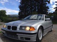 1993 BMW 3-Series 318is Coupe (2 door)