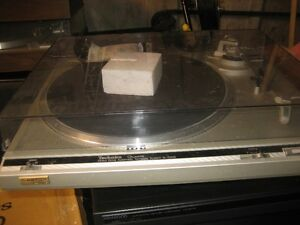 Table tournante Technics SL-Q200