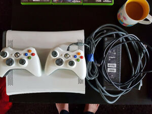 XBOX 360 /w Three Games