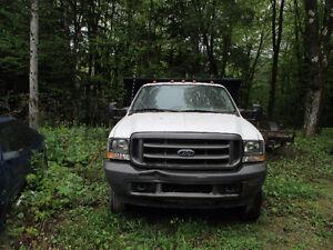 2004 Ford F-550 boite dompeur