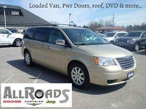 2010 Chrysler Town & Country, Pwr roof, doors & DVD!