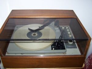 KLH TWENTY-FOUR TURNTABLE WITH TWENTY-FOUR LOUDSPEAKERS