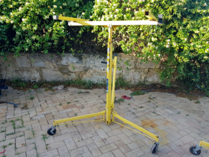 Dry wall hoist for hire