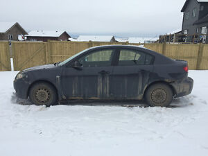 2005 Mazda3 GX Sedan - For Parts or Fix up - 800$ OBO