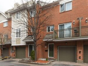 Centretown:2 bedrooms and den (or 3 bedrooms) townhouse downtown