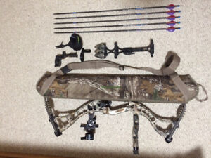 Hoyt Maxxis compound bow