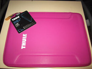 "THULE 15"" MACBOOK PRO GAUNTLET 2.0 PRO SLEEVE LAPTOP CASE"