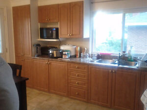 SPACIOUS 3 BEDROOM APARTMENT - FOR RENT