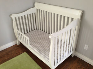 Convertible Crib & Toddler Bed