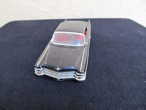 '63 Cadillac Series 62 1:24 Scale