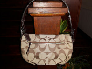 COACH SIGNATURE JACQUARD PURSE - BROWN & BEIGE - LIKE NEW