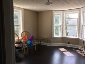 1 bedroom apartment for rent right away Sackville NB