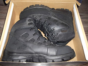 mens winter boots size 9m