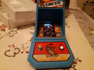 Coleco Donkey Kong mini arcade and in box