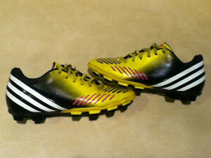 Kids Adidas Predito Outdoor Soccer Cleats Size 3.5