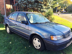 1999 Toyota Tercel Berline **NÉGOCIABLE**