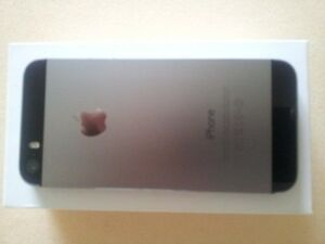 Almost new Black iPhone5s Kingston Kingston Area image 1