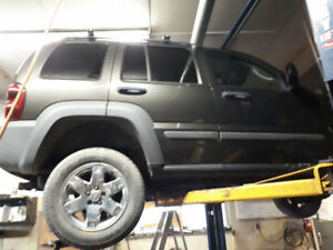 2005 Jeep Liberty 3.7 for Parts