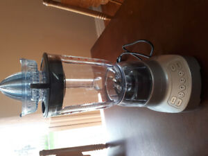Brand new Breville blender-only used once!