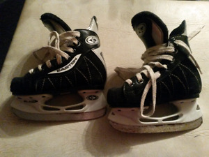 Sz 9 childrens skates