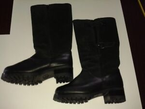 WOMEN'S WARM WINTER BOOTS – SIZE 10/41