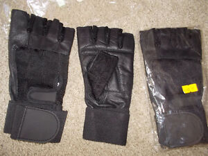 2 pairs of brand new weigh lifting gloves-size XL