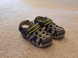 GEOX Toddler Sandle size 8 1/2