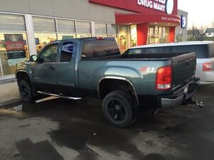 GMC Sierra 2500 HD Gas, 4X4, Rockstar Rims