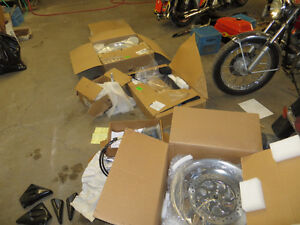 Brand New Custom parts: Wheels, Swing Arm, Air ride....