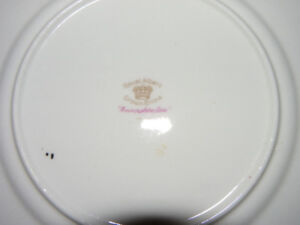 Royal Albert set of 4 China Set (Devonshire Lace)