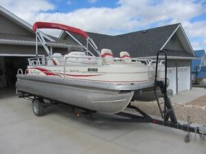 2009 Suntracker Fishing Barge 21