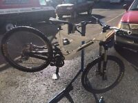 Commencal supreme vip 6 size medium *immaculate condition*