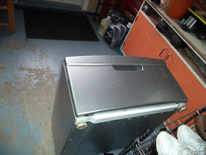 Samsung          Base for front load washer Peterborough Peterborough Area image 2