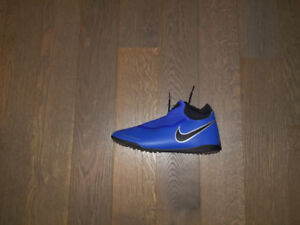 Nike Phantom Vision Academy Dynamic Fit TF - Size 10