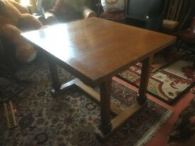 Dining table with extending leafs