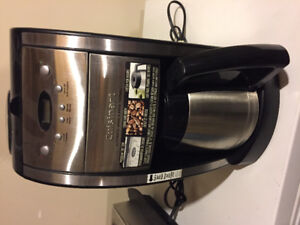 Cuisinart coffee pot with grinder