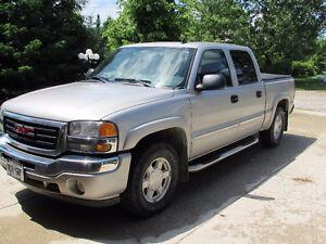 2006 GMC Sierra SLT Pickup Truck