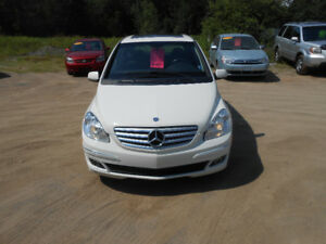 MERCEDES B200, LUXURY COMPACT CAR THAT FITS ANYONES BUDGET!!!