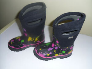 Toddlers girls size 7 Bog boots