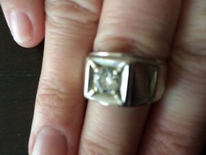 Gent's solitaire diamond rings 14k