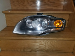 Audi A4 left headlight lumiere phare shipping
