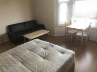 Stunning DOUBLE Room available for Quick move Francis Road, WATFORD - £ 140 - £ 150 / WEEK