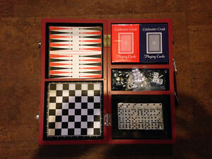 Classic Travel Games in 1 wooden box West Island Greater Montréal image 1