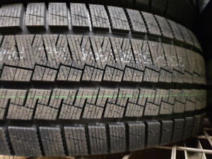 4 winter tires kapsen New 245/45r20/ 4 pneus neufs a vendre!
