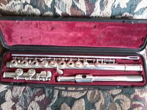 Yamaha 281SII Flute w case