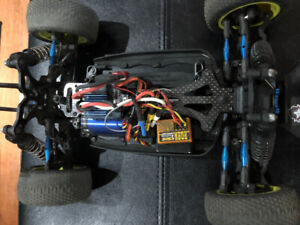 Looking to sell Losi mini 8 truggy and buggy and a few other r/c