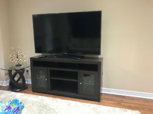 Very beautiful living room set with tv and hutch for pickup 2000