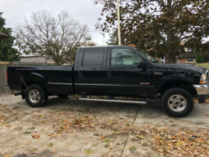 2004 Ford F-250 Lariat Super Duty Diesel Pickup Truck