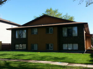 Very close to UofA, Whyte Ave, Shops, Bus stops, Short ride DT